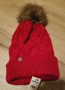 EXPRESS RED BEANIE NWT CABLE FAUX FUR POM HAT